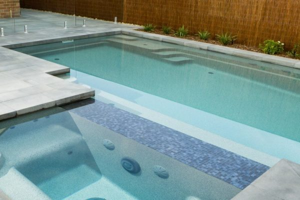 Clean Pool Water With UV Sanitizer